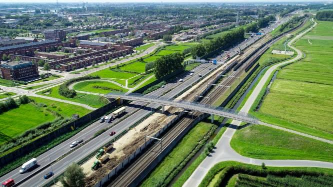 Na de 700 miljoen van de minister trekken gemeenten zelf ook nog eens de knip voor overvolle A15