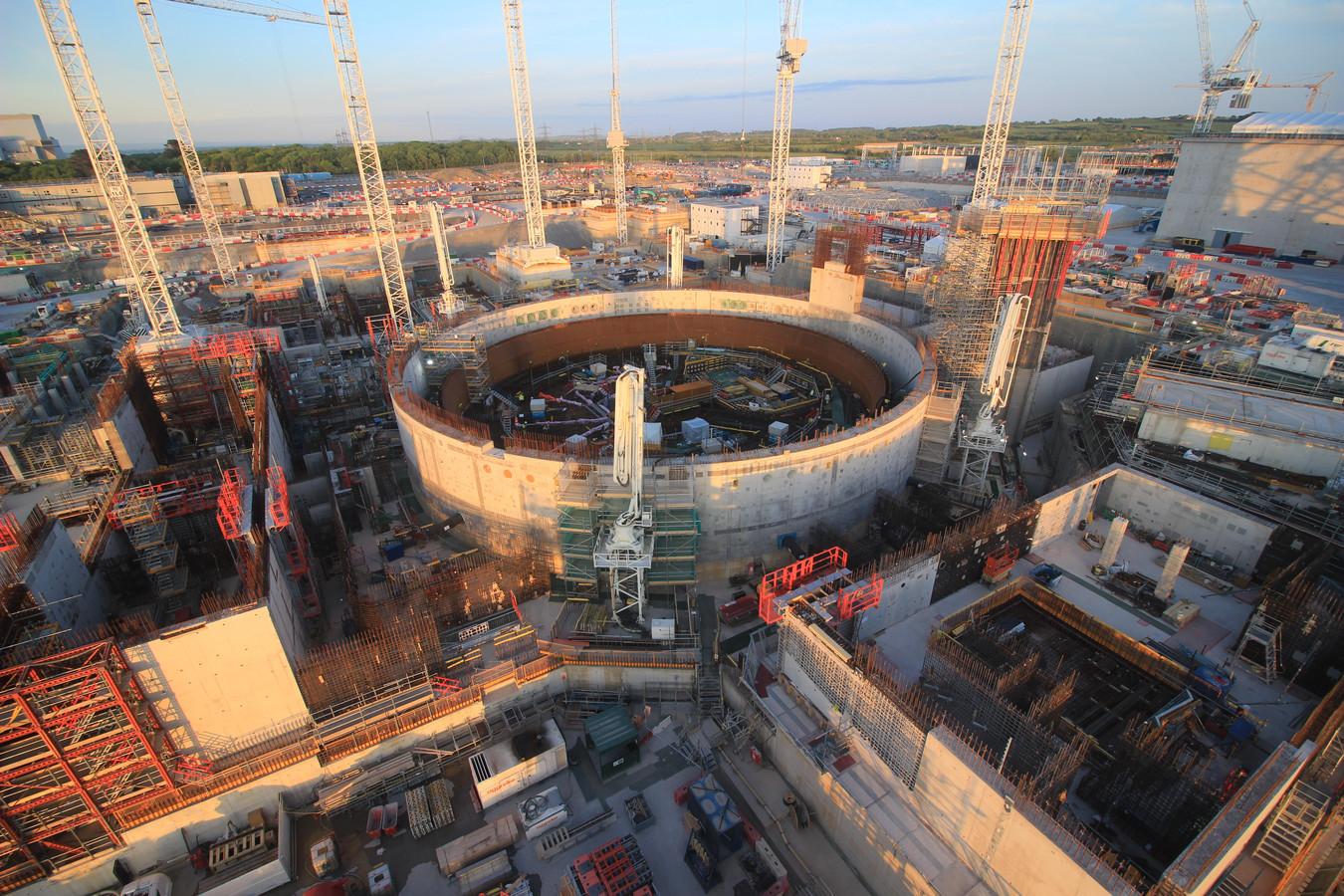 De bouw van een nieuwe kerncentrale van EDF in Hinkley Point, aan het kanaal van Bristol. Straks ook een kerncentrale in Brabant?
