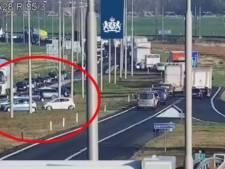 Automobilisten negeren bij Hattemerbroek massaal rood kruis en rijden door middenberm: 'Levensgevaarlijk en onacceptabel'