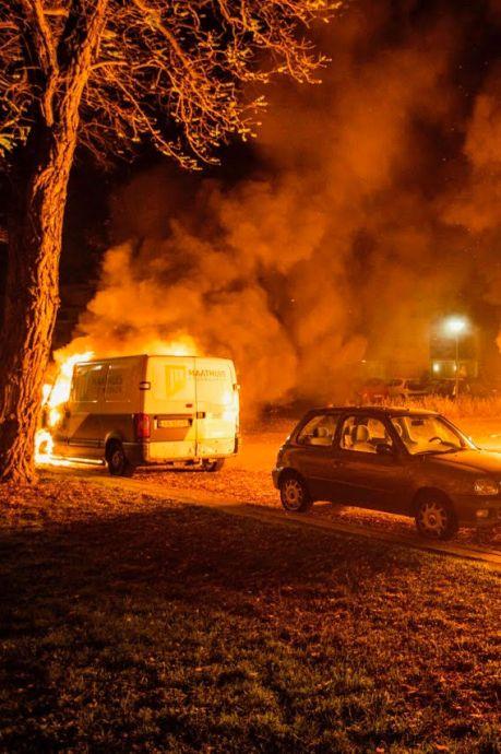 Nachtelijk inferno schokt Geldropse straat: 'Brandstichting? Er gebeurt hier nooit iets'