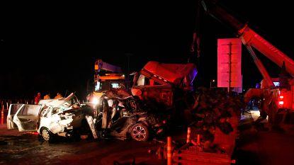 Minstens 15 doden bij zwaar ongeval met 31 voertuigen in China