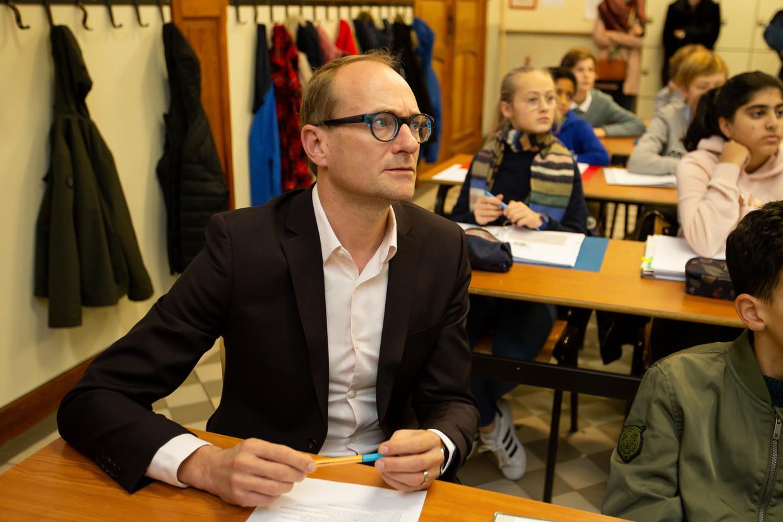 Minister van Onderwijs Ben Weyts (N-VA) in de schoolbanken. Beeld BELGA