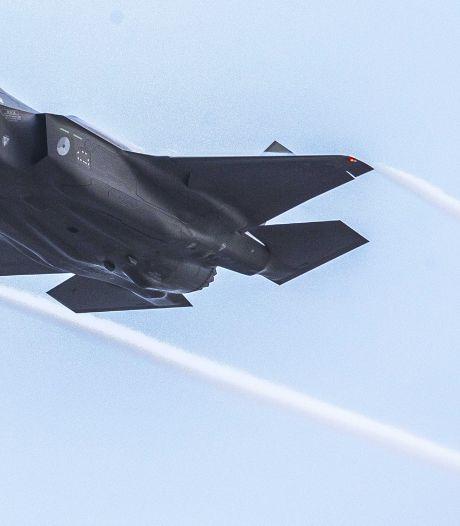 Defensie schiet veelbesproken laagvliegroute boven Oost-Nederland af