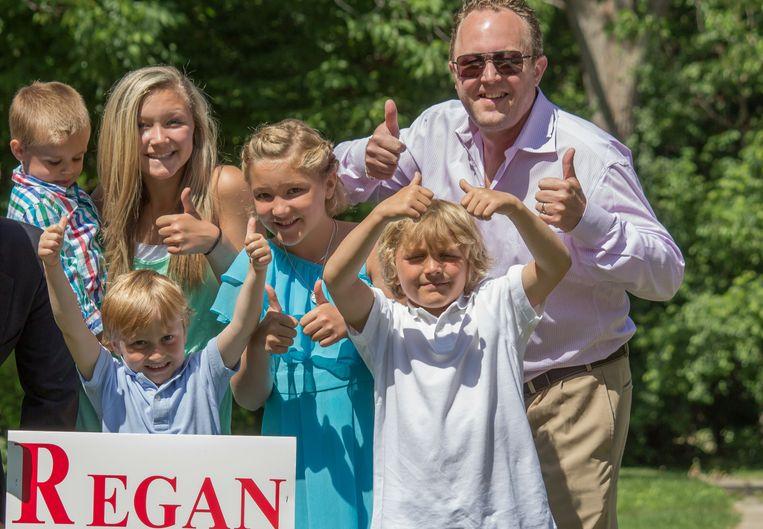 Robert Regan en zijn kinderen.
