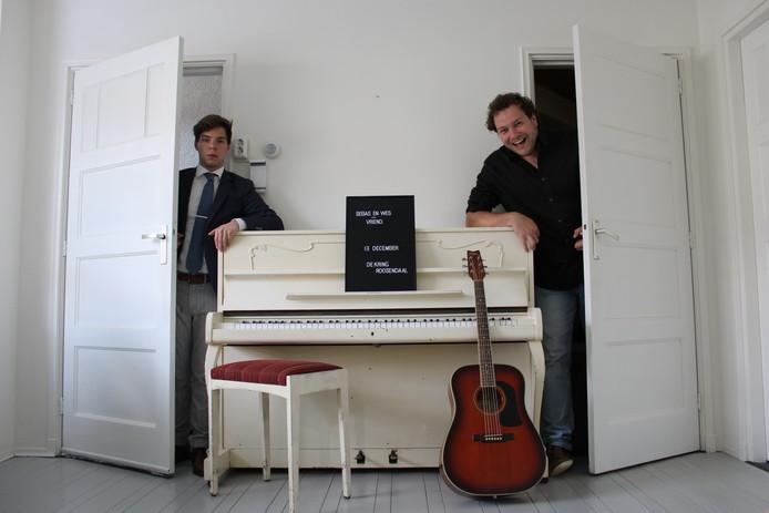 Sebastiaan Waegemaekers (l.) en Wessel Croonen gaan samen het theater in.