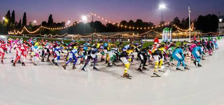 In wollen trui en op vaste schaats jagen op baanrecord van Ard Schenk