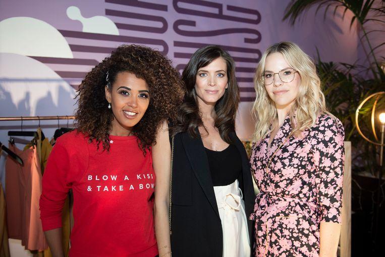 Ook Tatyana Beloy (l.) en Eline De Munck (r.) lanceerden gisteren hun collectie bij ZEB. Voor hen is het hun eerste kledinglijn.