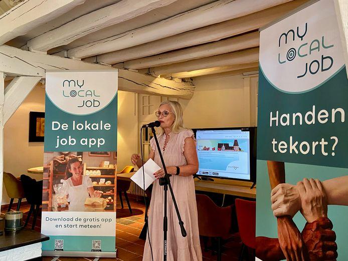 Véronique d'Exelle speecht als Schotens schepen voor Lokale Economie op de voorstelling van de app 'My Local Job'