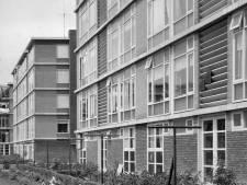 Gerrit Rietveld ontwierp blinde balkonnetjes, maar toen hingen huisvrouwen er de was op!
