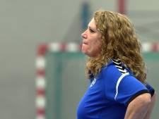 Handbalcoach Marjolein Luijten (DWS) wil zo snel mogelijk weer aan de slag: 'Dit is gestoord'