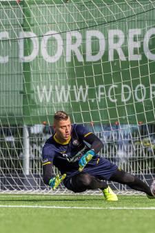 Debutant Noppert geniet na van eerste overwinning FC Dordrecht: 'Kippenvel op de armen'