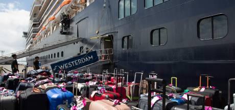 Rode Kruis opent giro voor coronaslachtoffers, 14 Amerikaanse evacués van cruiseschip tóch besmet