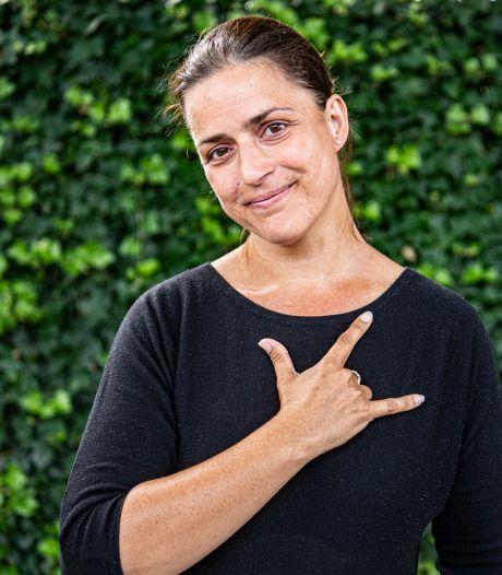 'In gebarentaal zijn twee bedankgebaren: het eerste komt bij de padvinders vandaan'