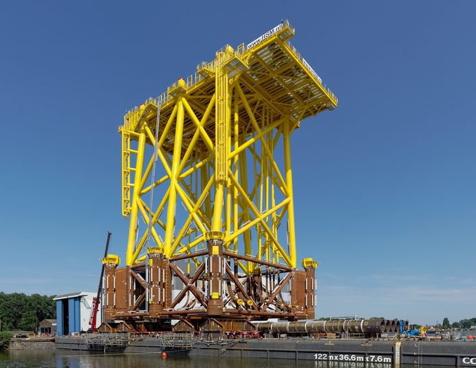 Stopcontact voor windpark Borssele op transport vanuit Schiedam.