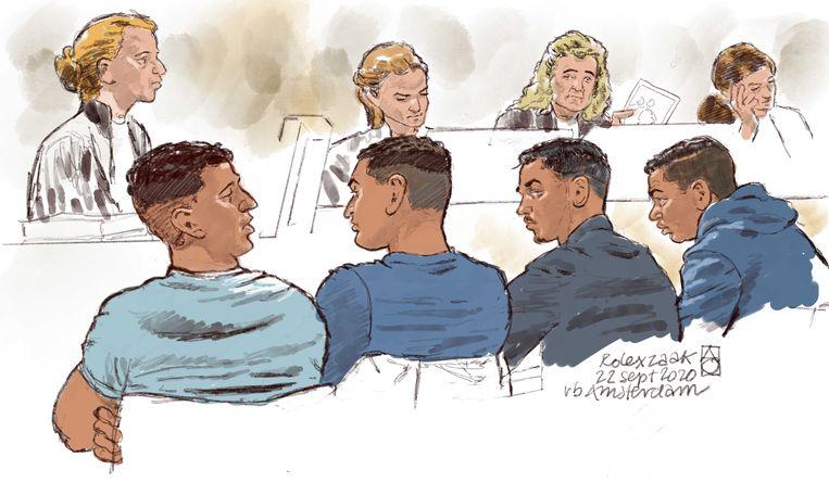 Rechtbanktekening van (vlnr) Mourad B., Mounir C., Oussama A. en Imram el K. tijdens een inleidende zitting. Beeld ANP