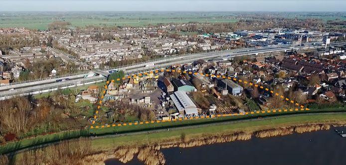 Hardinxveld-Giessendam met binnen het gearceerde gebied De IJzergieterij.