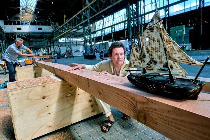 Kunstenaar Edward Clydesdale Thomson en het kunstproject Rivier-boot-stad.