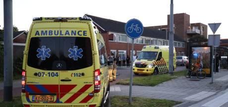 Scooterrijder gewond aan hoofd na botsing tegen paaltje in Arnhem-Zuid