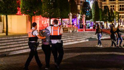 Met de politie tussen relschoppers en messentrekkers op Leuvense Oude Markt
