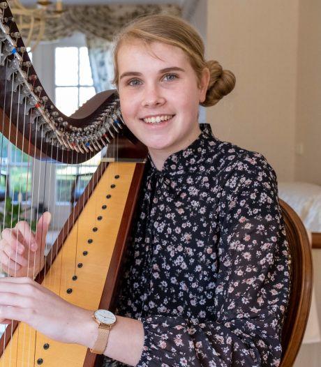 Aagtekerkse maakt cd: 'De harp blijft mijn grote hobby'