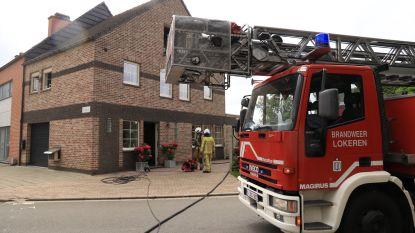 Woning loopt schade op bij keukenbrand, bewoners ongedeerd