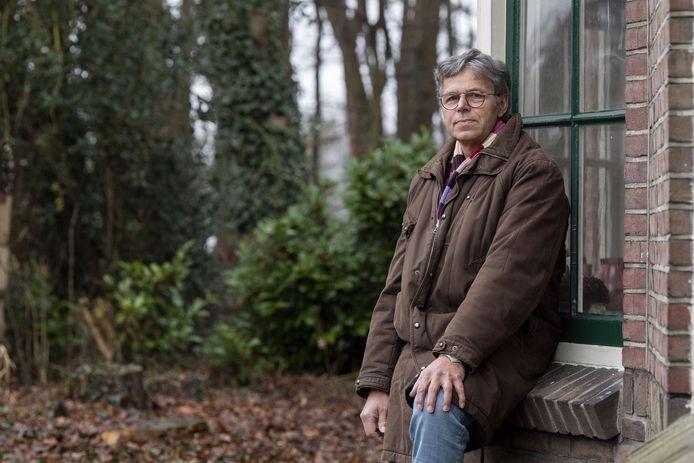 Lossernaar Leo van der Stelt die zeer kritisch is over enquête Noordoost Twentse gemeenten over windenergie.