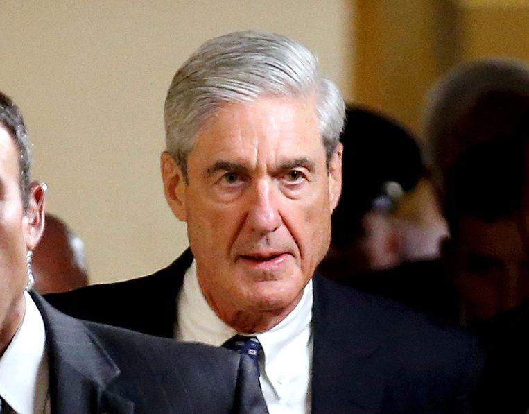 Speciaal aanklager Robert Mueller vorig jaar in het Congres waar hij de Senaat inlichtte over zijn onderzoek. Of hij kan bewijzen dat Trump zich schuldig maakte aan samenspanning met de Russen en belemmering van het onderzoek hiernaar, houdt Washington flink bezig.  Beeld REUTERS