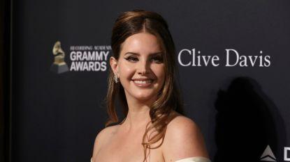 Lana Del Rey brengt poëzieboek uit