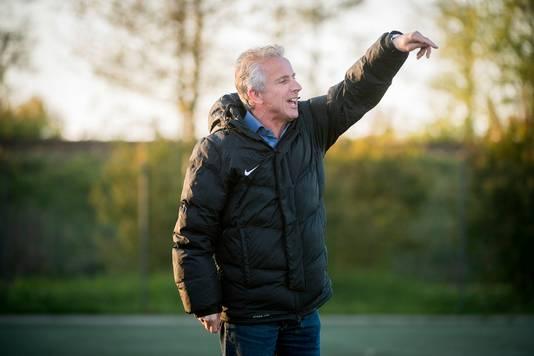 Miguel van den Dungen vertrekt als trainer van Nuenen