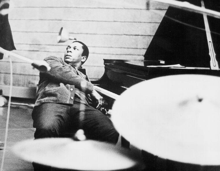 John Coltrane pauzeert tijdens een studio-opname (ca. 1964). Beeld Michael Ochs Archives