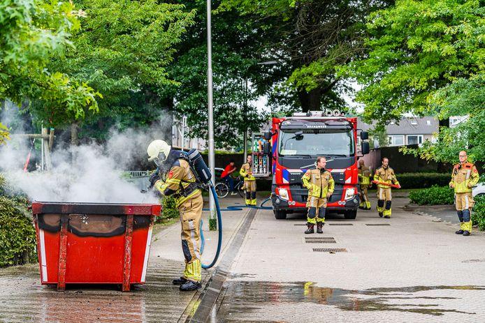 De brandweer rukte uit naar de Dirigentenlaan in Tilburg.