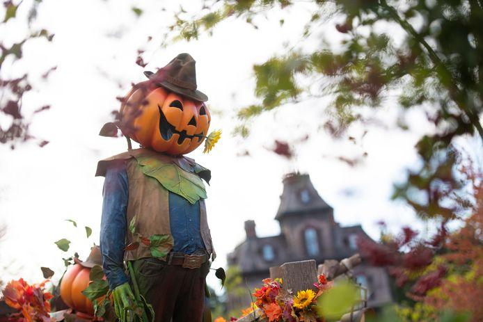 Disneyland est déjà passé en mode Halloween.