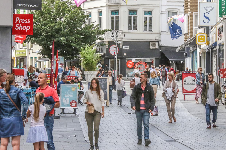 Winkelstraat in Kortrijk. Beeld Henk Deleu