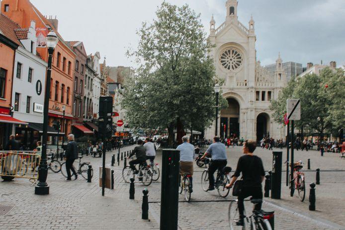 Cet été, Pro Velo s'associe à visit.brussels pour faire voyager les Bruxellois dans leur propre ville.