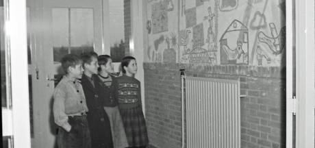 Wie beschilderde in 1956 de wanden van de Gerardusschool in Weebosch?
