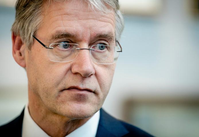 Minister Arie Slob (Basis- en Voortgezet Onderwijs en Media) op de dag van de uitspraak over het Cornelius Haga Lyceum.
