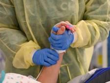 La moyenne des décès diminue de près de 10%, les hospitalisations également en baisse
