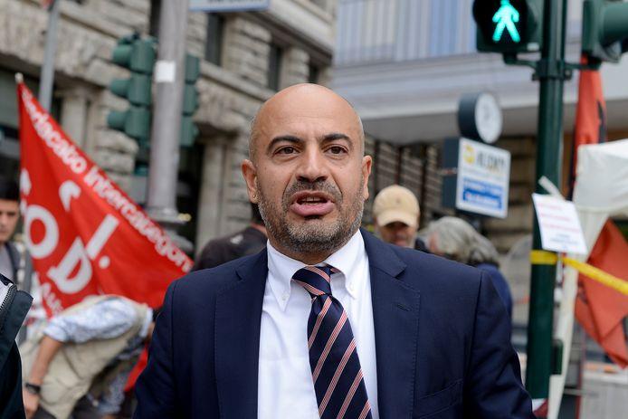 Gianluigi Paragone gaat een 'Italexit'-partij oprichten.