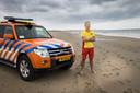 Tim de Jonge, lifeguard en voorzitter van de Domburgse Reddingsbrigade, op het strand