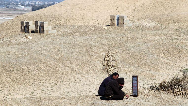 De woestijn in de Anbar provincie. Beeld AFP
