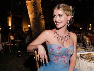 IN BEELD. Nichtje van prinses Diana beleeft droomhuwelijk in vijf verschillende jurken