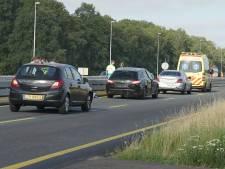 Drie auto's botsten op A1 bij Deventer-Oost: rijstrook  weer vrij, file opgelost