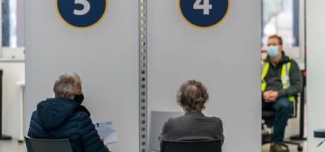 Deel van de Brabantse ouderen moet wachten op het coronavaccin: 'De vraag is groter dan het aanbod'
