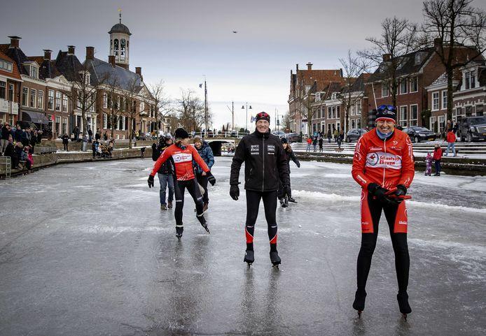 In Dokkum probeerde Henk Angenent opnieuw de Elfstedentocht te rijden.