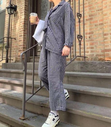 Cette saison, portez votre pyjama en rue pour un look tendance et décontracté