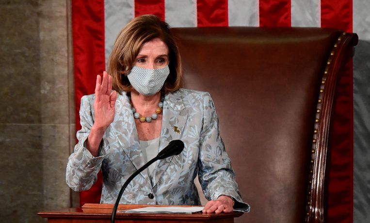 Nancy Pelosi legt zondag de eed af. Beeld AP