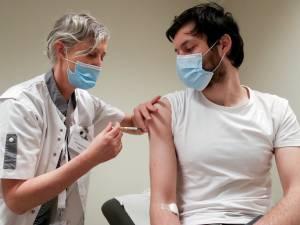 Vaccins: les Bruxellois âgés de 18 ans et plus peuvent prendre un rendez-vous