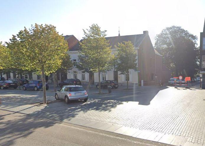 Kruispunt Markt-Rivierstraat in Mol