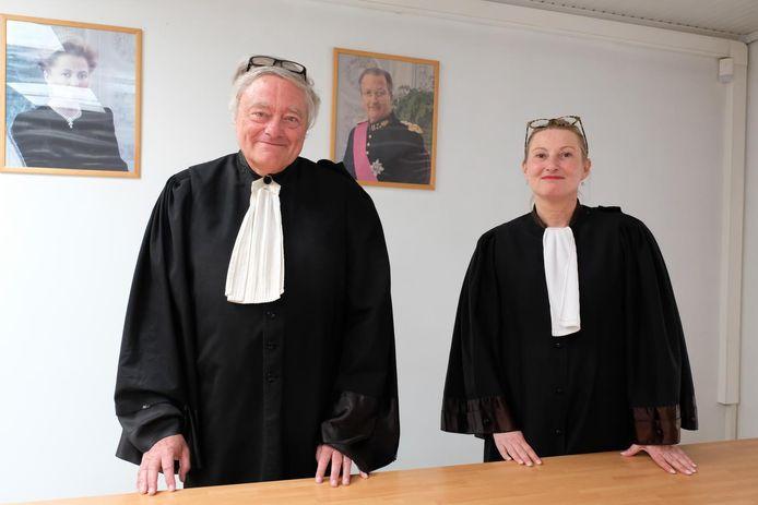 Vrederechter Stefan Luyten met griffier Inge Verhamme.