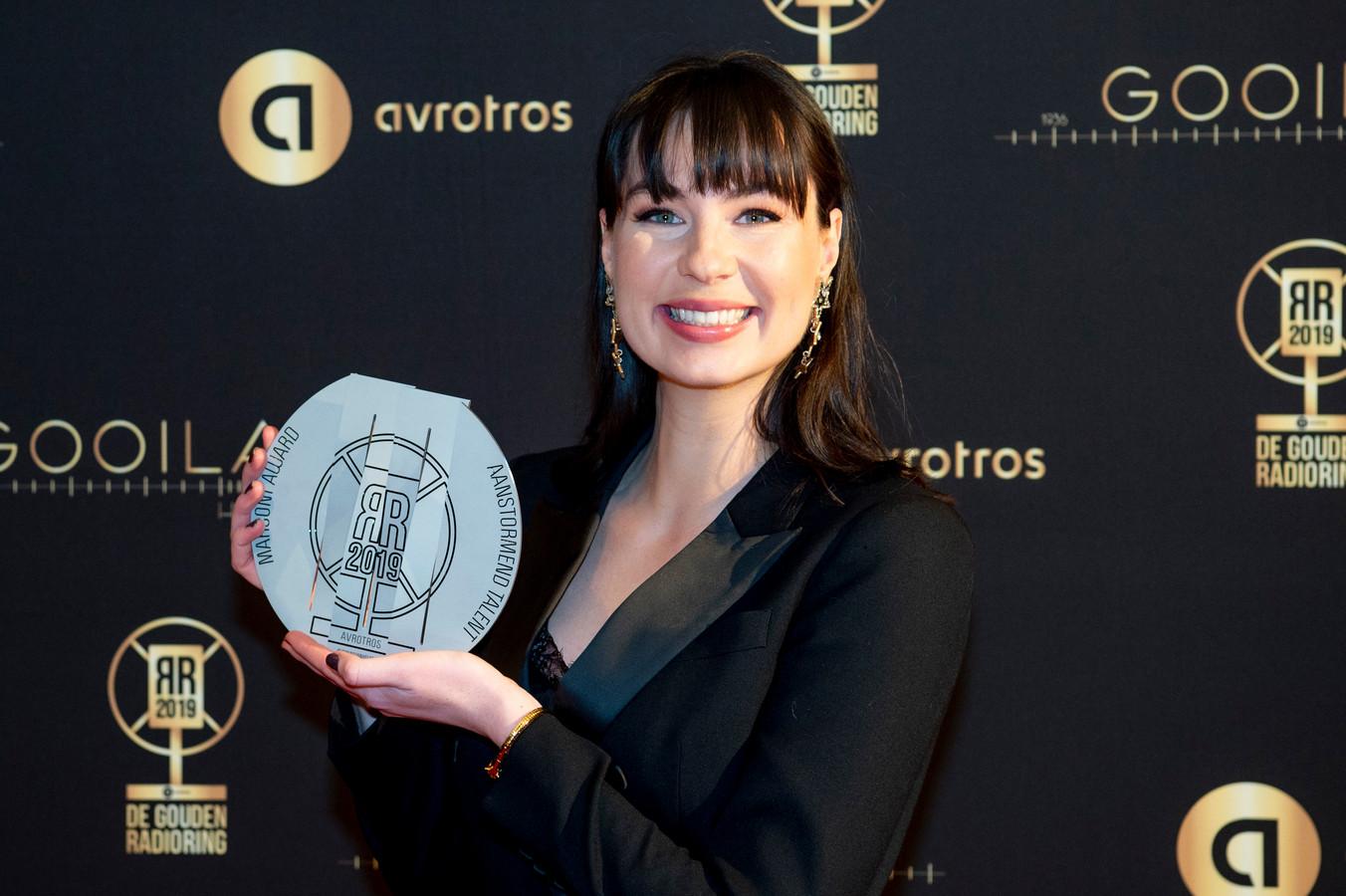Emmely de Wilt won vorig jaar de prijs voor Aanstormend Talent, nu is ze in de race voor de Zilveren Radioster Vrouw.